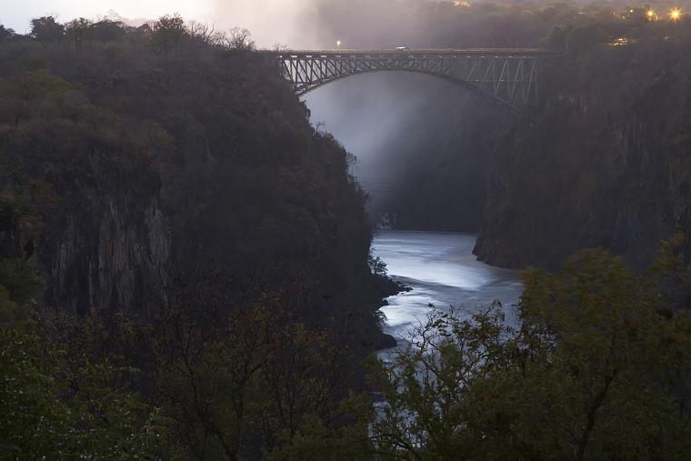 Brug bij Victoria watervallen Zimbabwe
