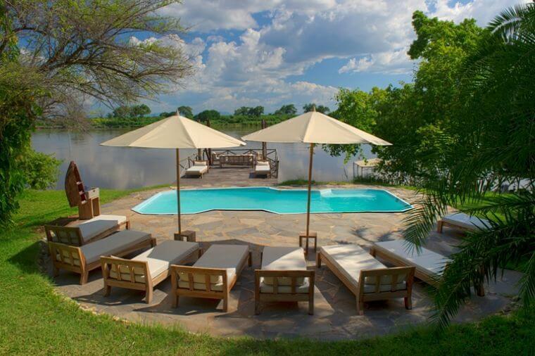Kanyemba Lodge uitzicht over Zambezi rivier Zambia