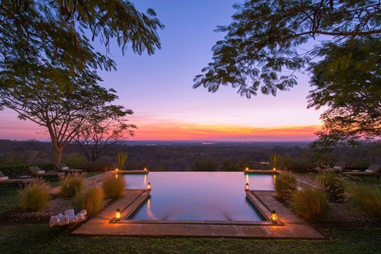 Uitzicht vanuit Stanley Safari Lodge over Victoria watervallen Zambia