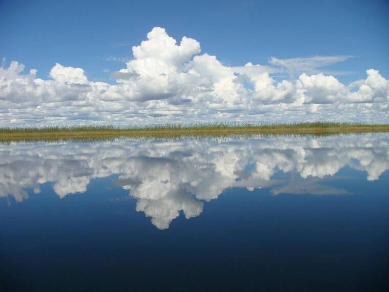 Wolken boven Bangweulu Wetlands Zambia