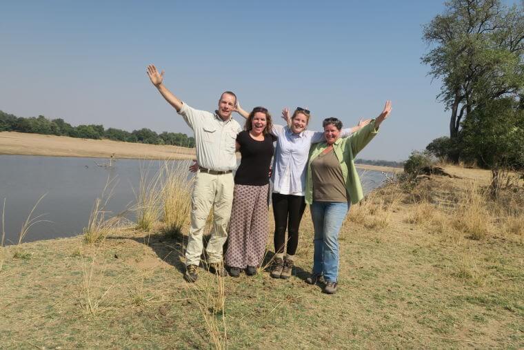 Mambulu! Safaris aan de oever van de Luangwa rivier in South Luangwa National Park Zambia