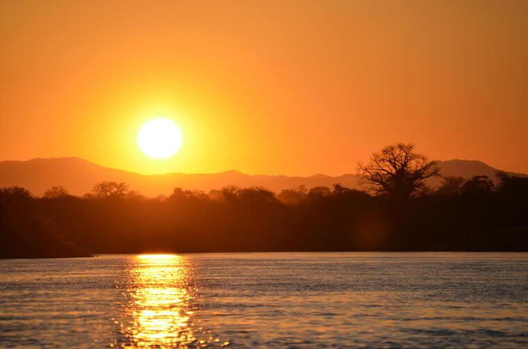 Zonsondergang op Lower Zambezi Zambia