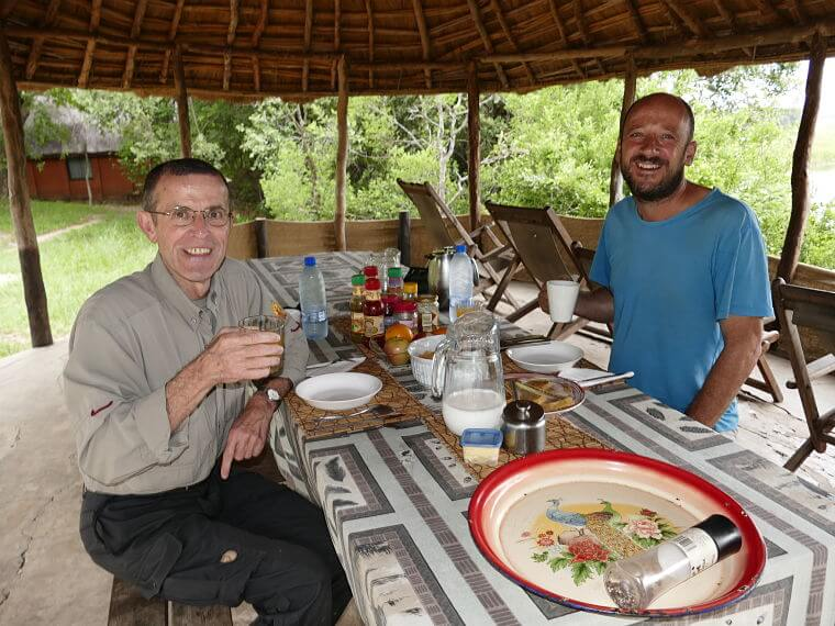 André van Hecke en Frank Willems tijdens herpetologische safari in Kasanka National Park Zambia