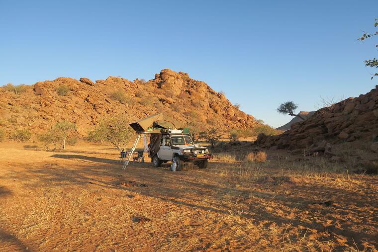 Wildkamperen in Marienfluss Kaokoland Namibië