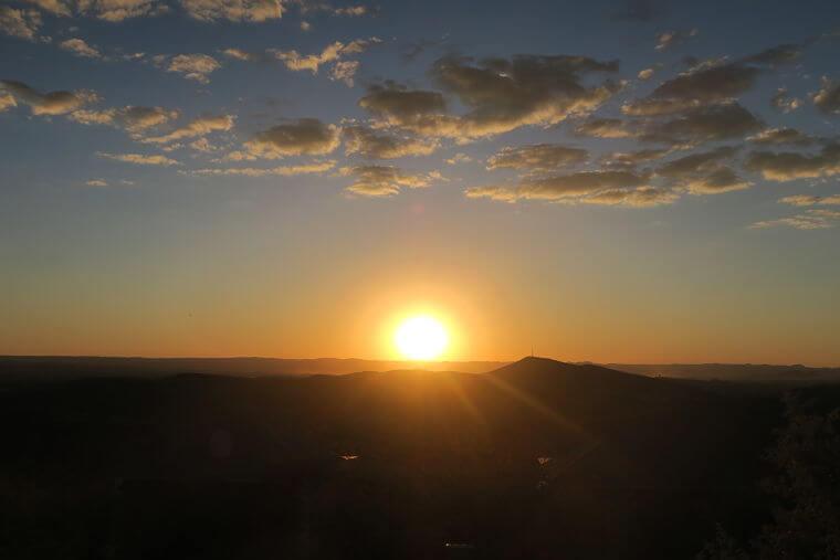 Zonsondergang boven Kaokoland in Namibië