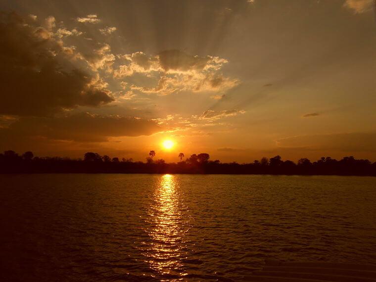 Sundowner boot cruise op Zambezi rivier
