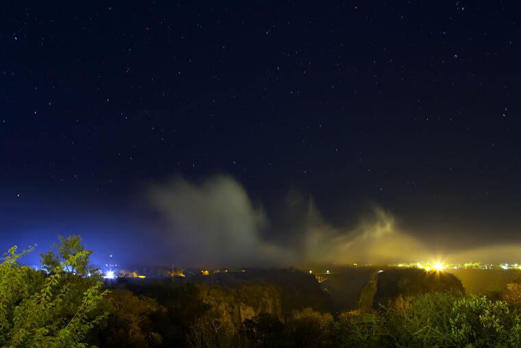 Victoria watervallen bij nacht Zimbabwe