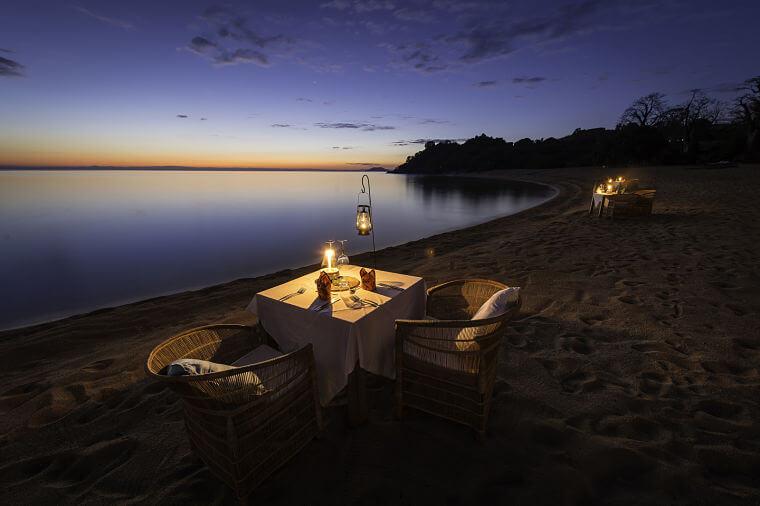 Romantisch diner op Likoma Island Lake Malawi