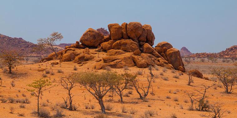 Bijzondere rotsformaties rondom Twyfelfontein, Namibië