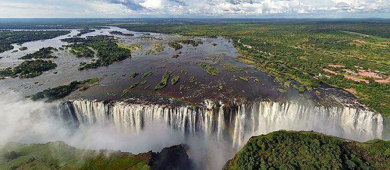Victoria watervallen vanuit helikopter Zambia