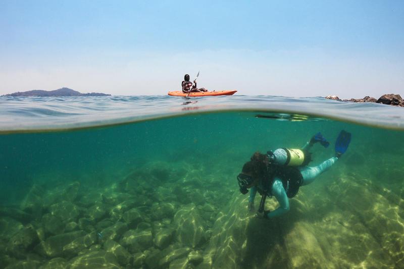 Kajakken en duiken bij Marelli Islands Malawi (© Artur Cabral)