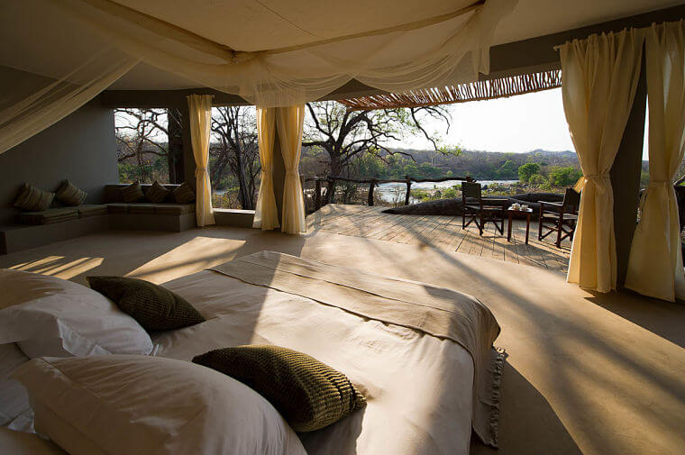 Mkulumadzi interieur chalet Majete Wildlife Reserve Malawi