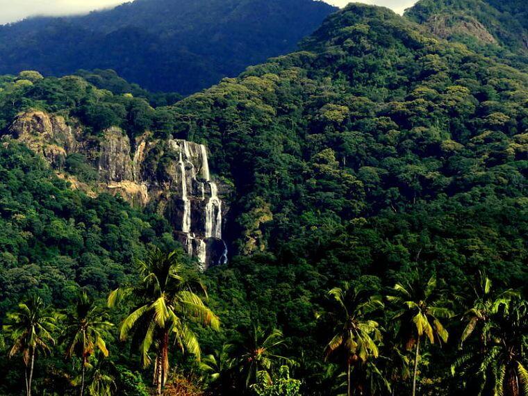 Sanje watervallen Udzungwa National Park (@ Udzungwa Forest Camp)