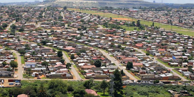 Soweto uit de lucht Zuid-Afrika (@iStock)