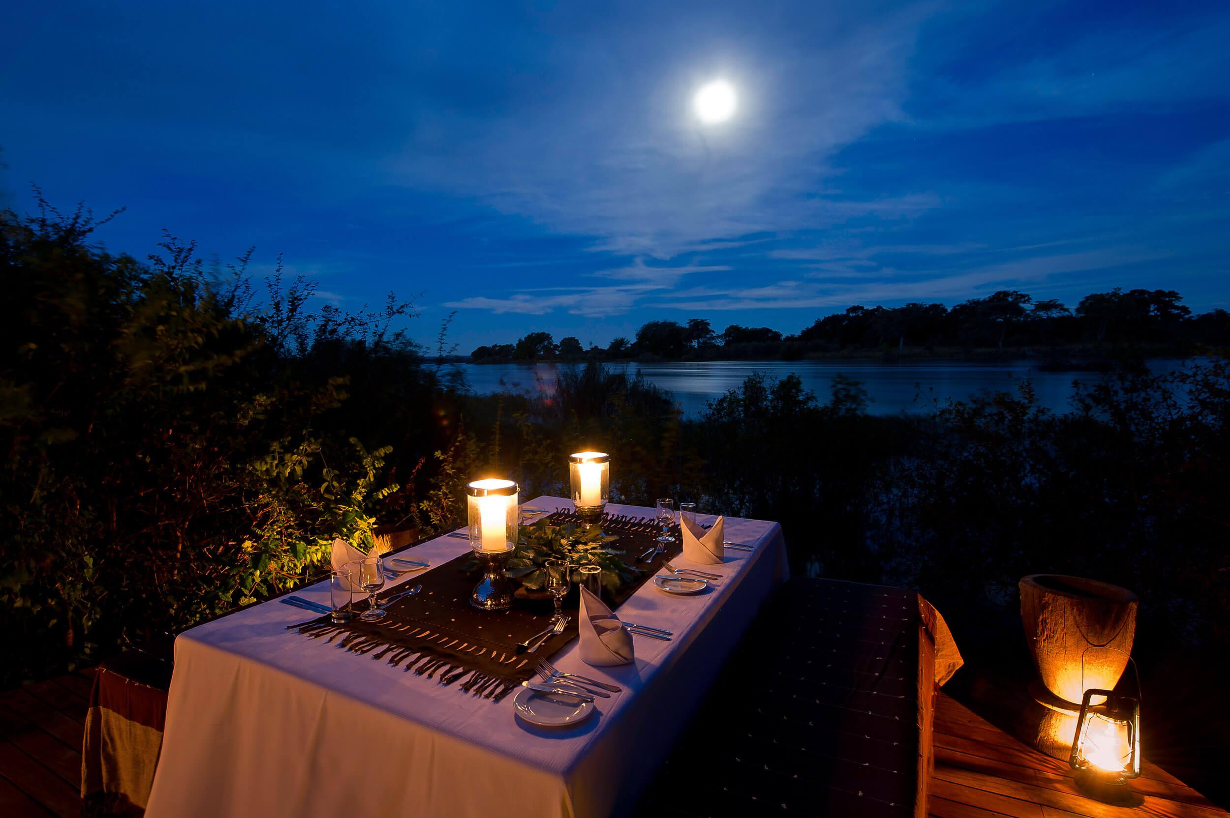 Diner op Sindabezi Island Livingstone Zambia