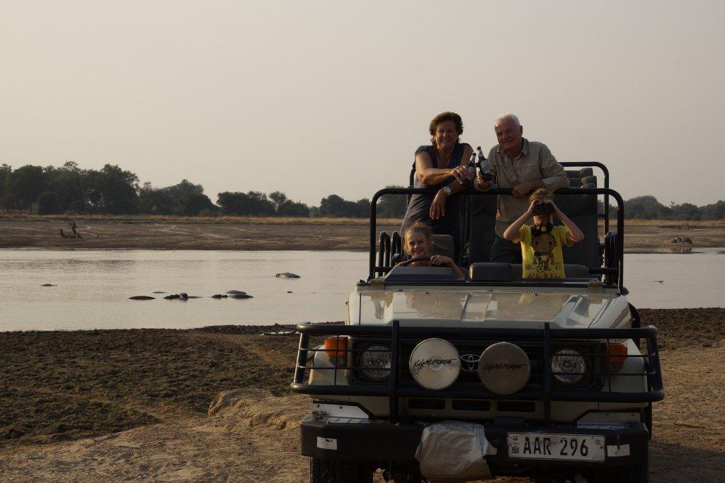 Familie van Sintruyen op safari in South Luangwa National Park Zambia