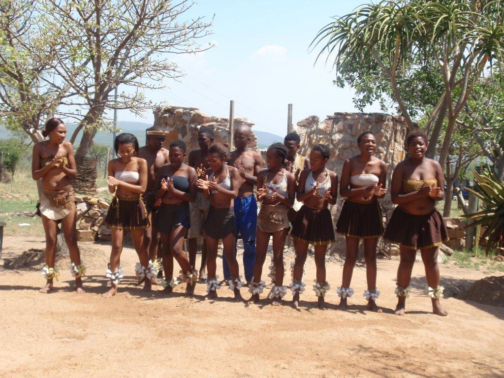Traditionele dansers in Zuid-Afrika