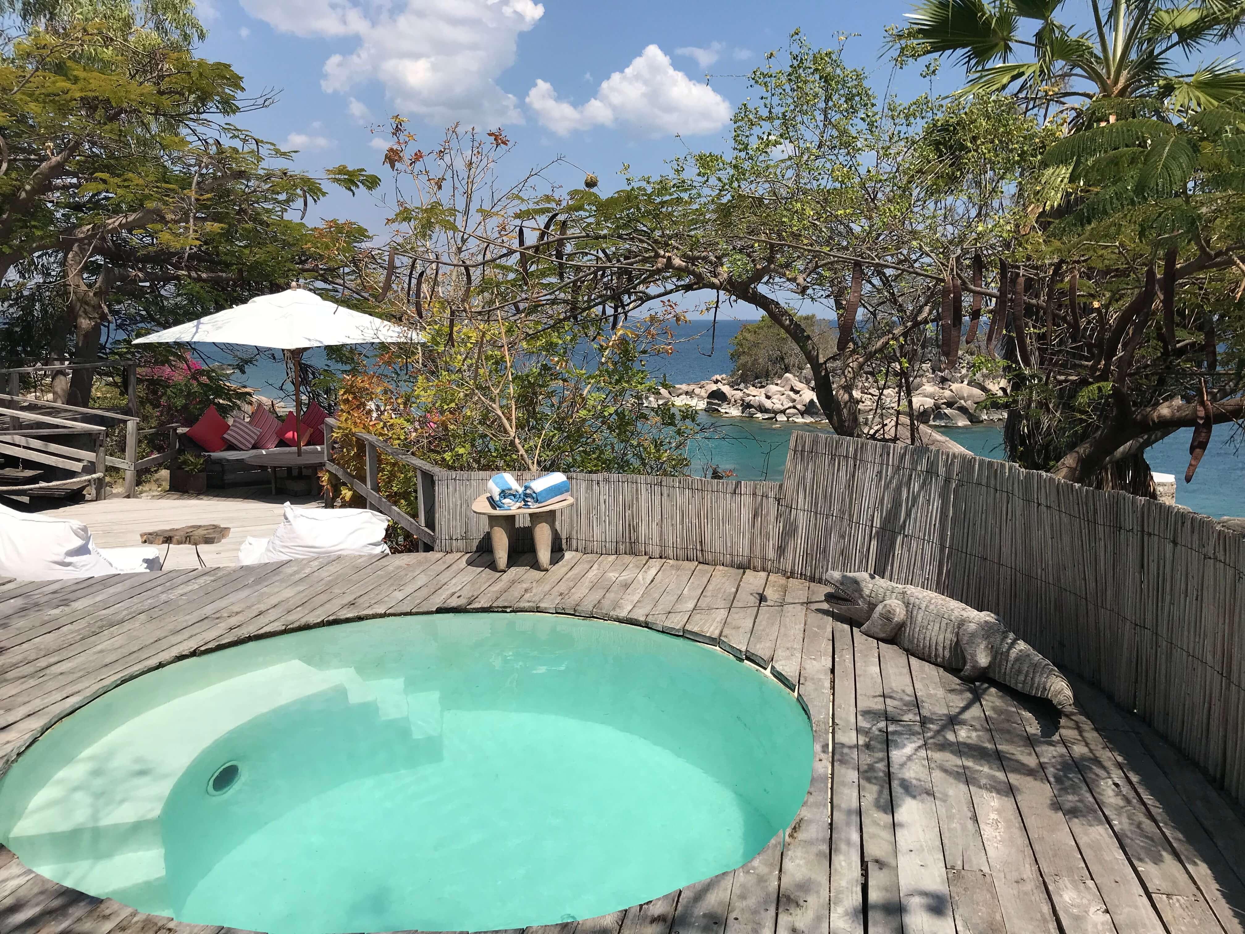 Plunge pool bij Kaya Mawa op Likoma in Island Malawi