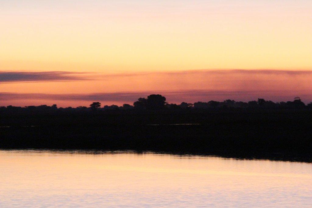 Zonsondergang Botswana - Mambulu! Safaris