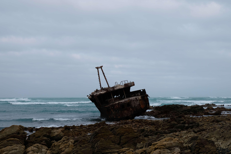 Scheepswrak bij Cape Agulhas Zuid-Afrika