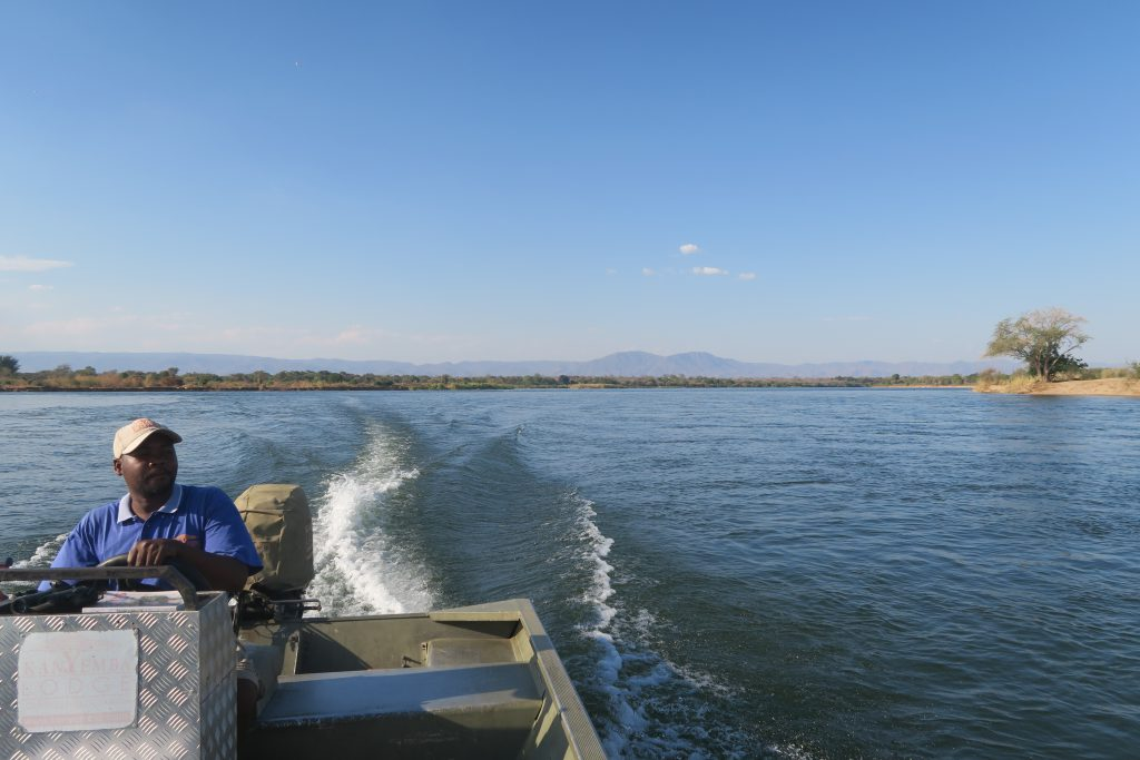 Bootcruise op Zambezi rivier na Leopard Hill Road