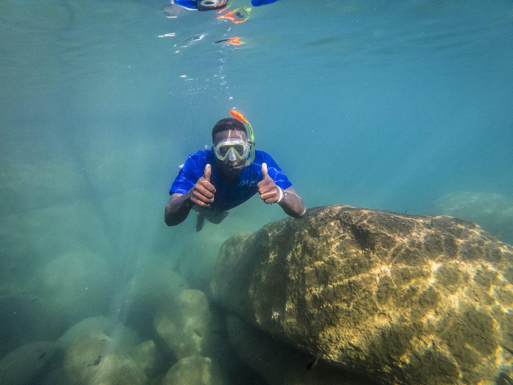 Snorkelen bij Mumbo Island Lake Malawi (@Jonathan Ramael)