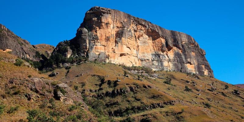 Rotsmassief in centrale Drakensbergen Zuid-Afrika