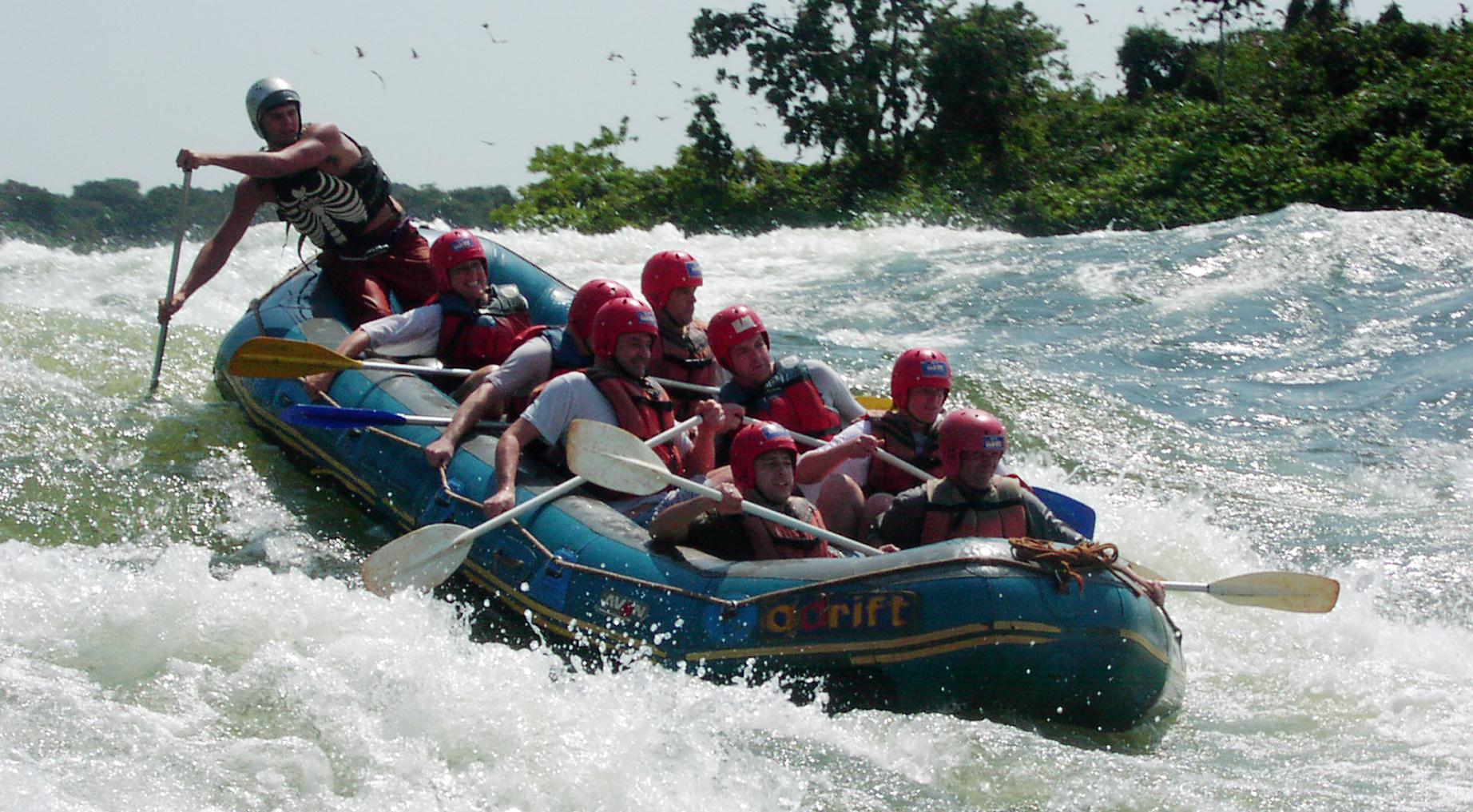 White water rafting bij Jinja Uganda