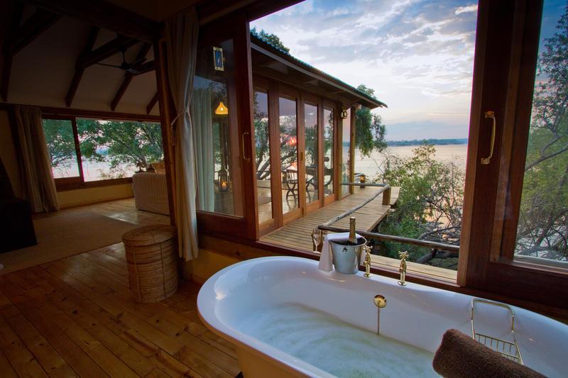 Uitzicht op Zambezi rivier vanuit Dog House van Tongabezi Zambia
